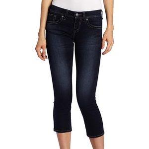 Silver Jeans • Aiko Kick Flare Denim Capris